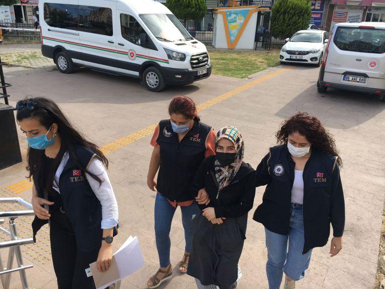 Edremit'te FETÖ/PDY firarisi kadın yakalandı