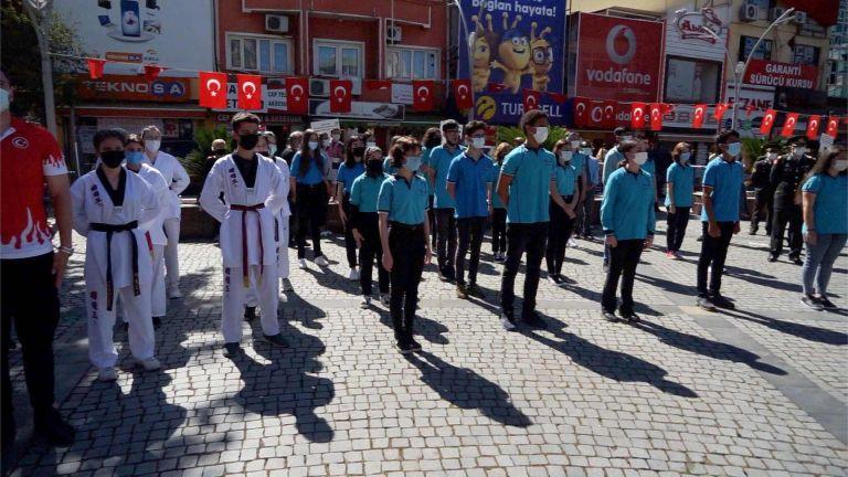 Edremit'te 19 Mayıs'ın 102. yılı kutlandı