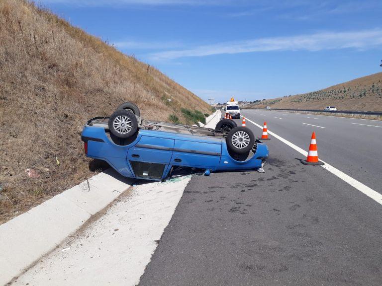 Sürücü kazadan yaralı kurtuldu